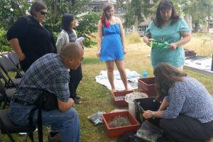 """'El compostaje es como cocinar"""", dice Surrey jardinería guru - Surrey ... - Surrey Ahora-Líder 1"""