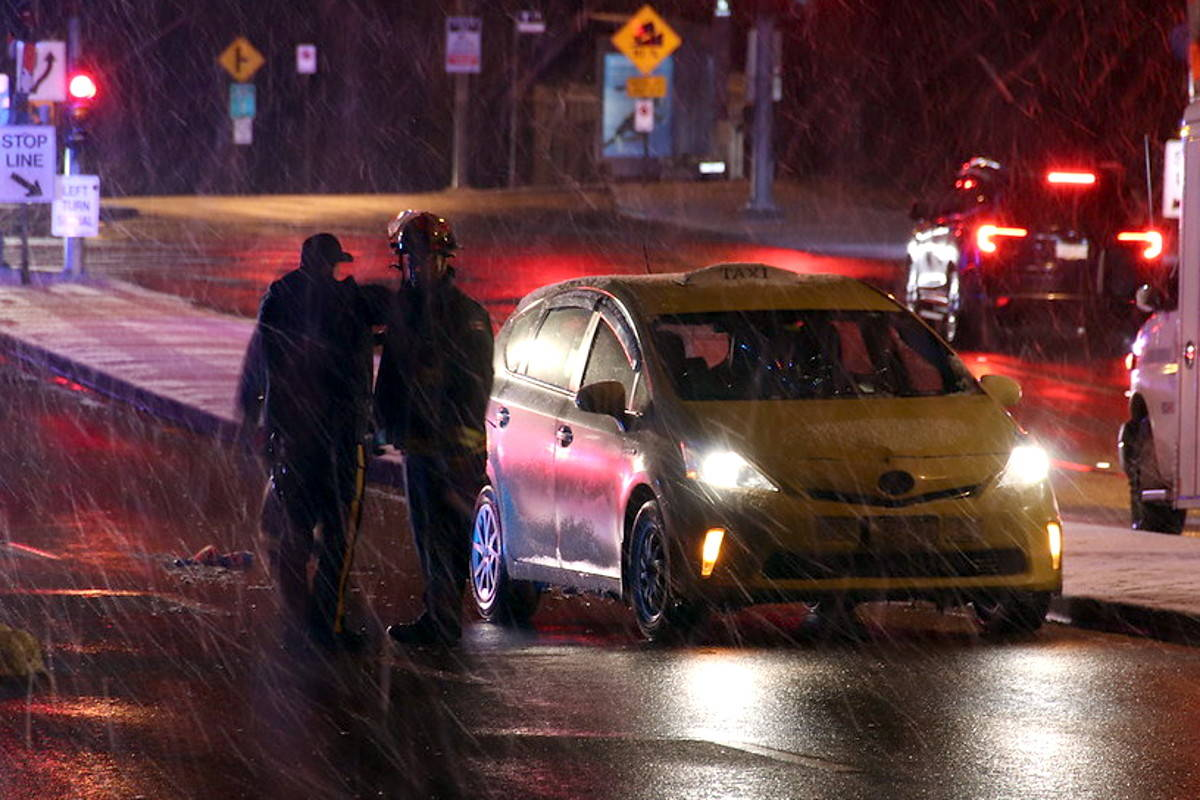 Taxi Maple Ridge >> Surrey Woman In Hospital After Stepping In Front Of Cab While On
