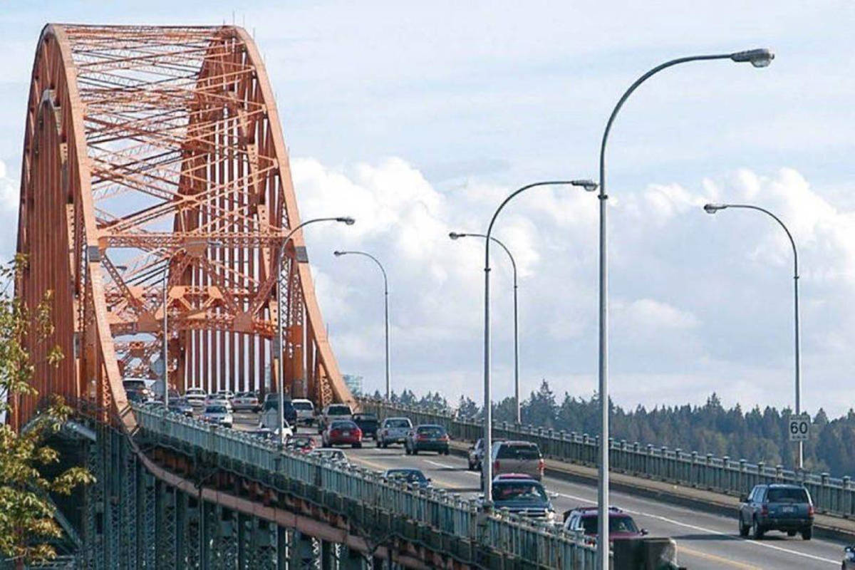 Province selects three bidding teams for Pattullo Bridge replacement