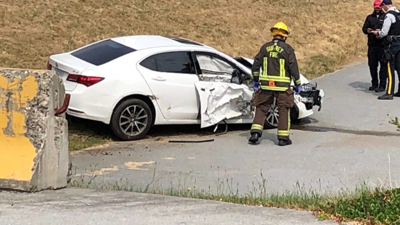 Two-vehicle collision sends car off Highway 10 in Surrey – Surrey