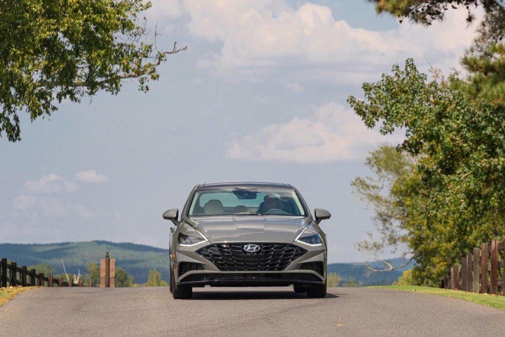 Hyundai's sweet-looking midsize sedan hits a high note