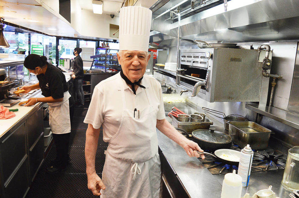 VIDEO: Hungry like the Wolff at Surrey diner he's had cooking for 40 years - Surrey Now-Leader
