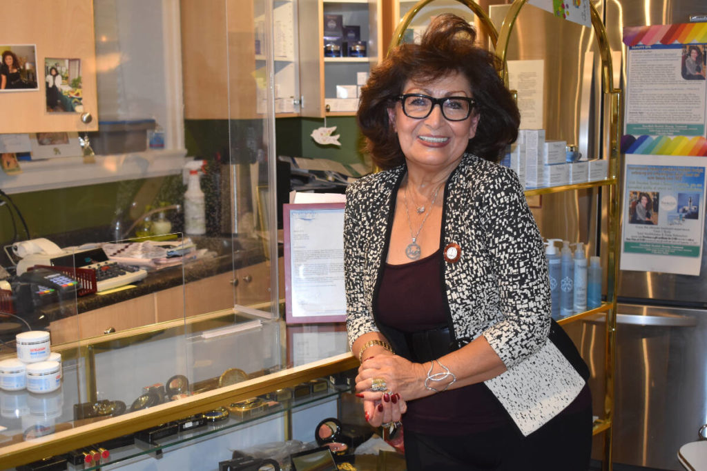 White Rock aesthetician celebrates her journey to success during 40 years in business - Surrey Now-Leader
